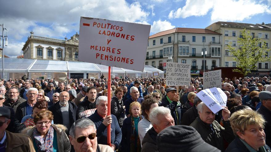 Los pensionistas gallegos siguen siendo los que menos cobran de todo el Estado junto a los extremeños