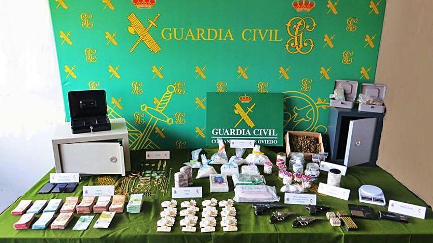 Piden penas que suman 36 años para una red que traficaba con cocaína en Oviedo