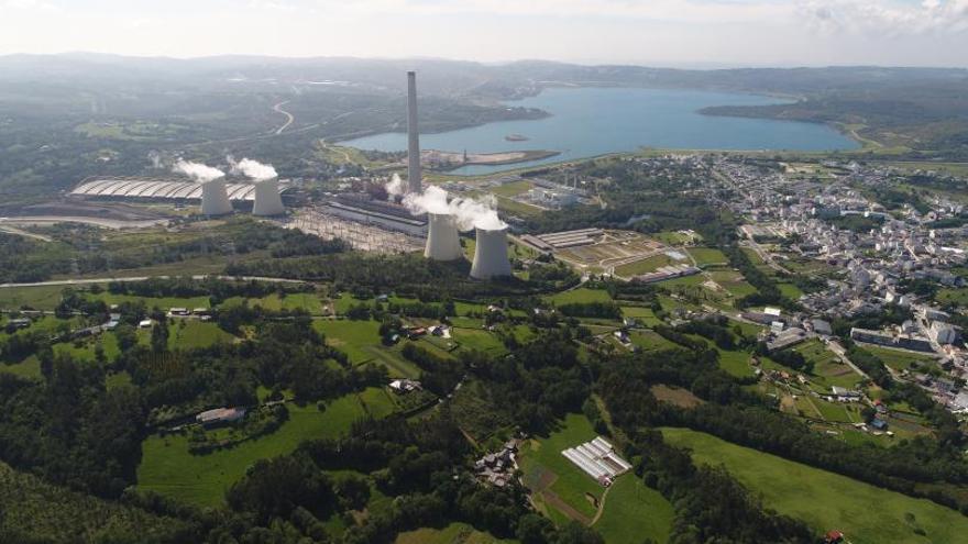 La pandemia y el fin del carbón arrastran las emisiones de CO2 de la industria gallega a mínimos históricos
