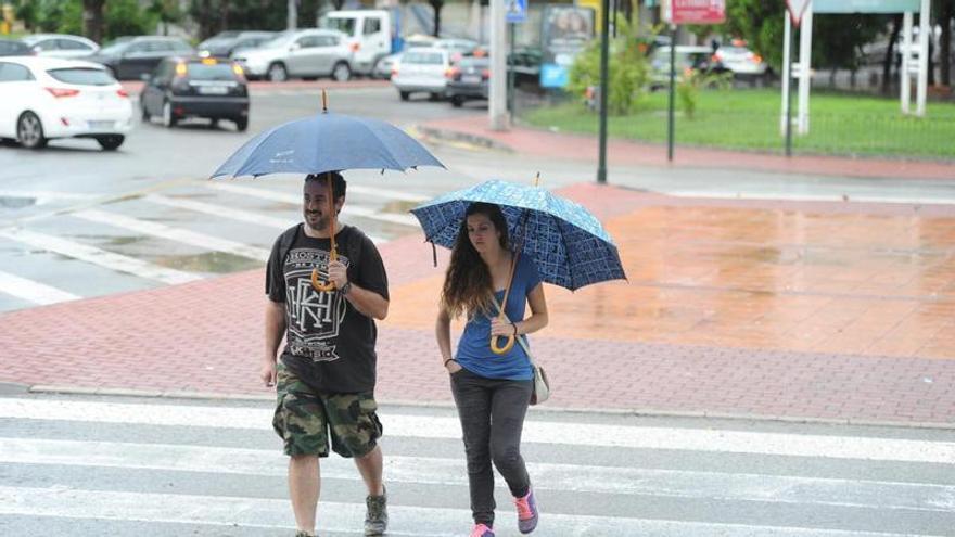 Descenso de temperaturas y breves chubascos hoy en la Región