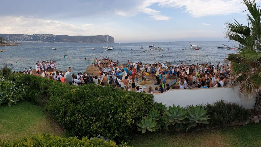 Último adiós de Xàbia y el surf a Óscar Serra Buqué