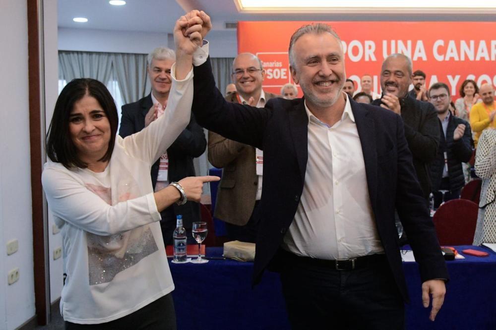 Carolina Darias celebra el nombramiento junto con Ángel Víctor Torres, presidente del Gobierno de Canarias.