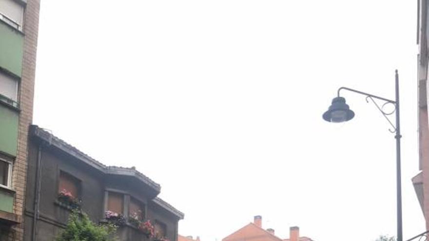 El Ayuntamiento derriba el chalet cuyo tejado se vino abajo en el Natahoyo
