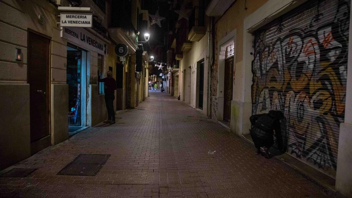 Los bares de Mallorca cierran por primera vez a las 18.00 y las grandes superficies a las 20.00 horas