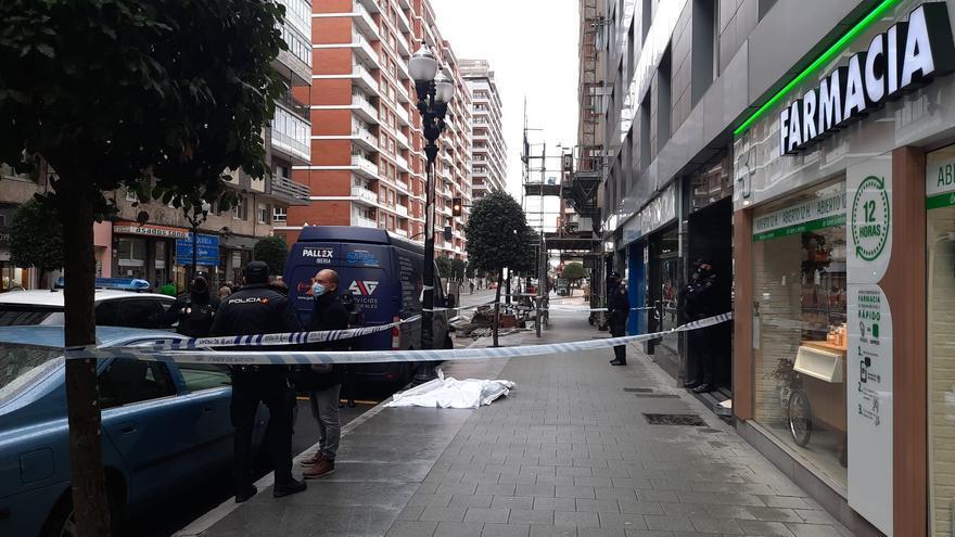 Fallece una mujer en Gijón tras precipitarse al vacío desde la undécima planta de su edificio