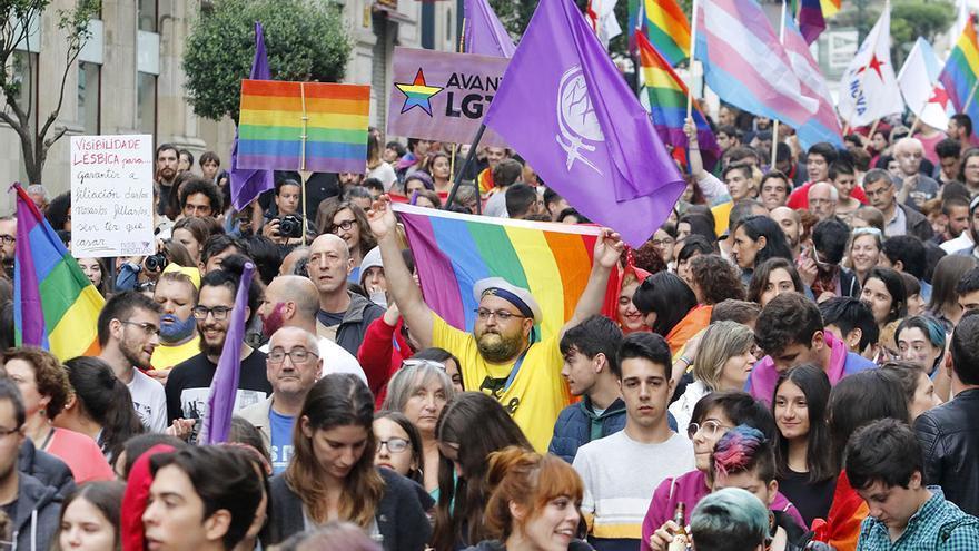 Vigo planta cara a la homofobia