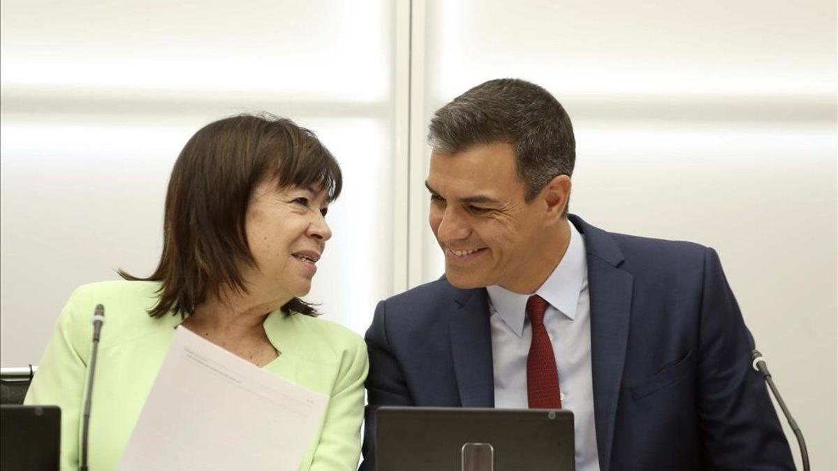 Pedro Sánchez y Cristina Narbona, en una imagen de archivo.