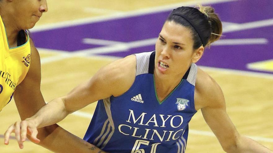 Anna Cruz se queda sin anillo de la WNBA por tres segundos