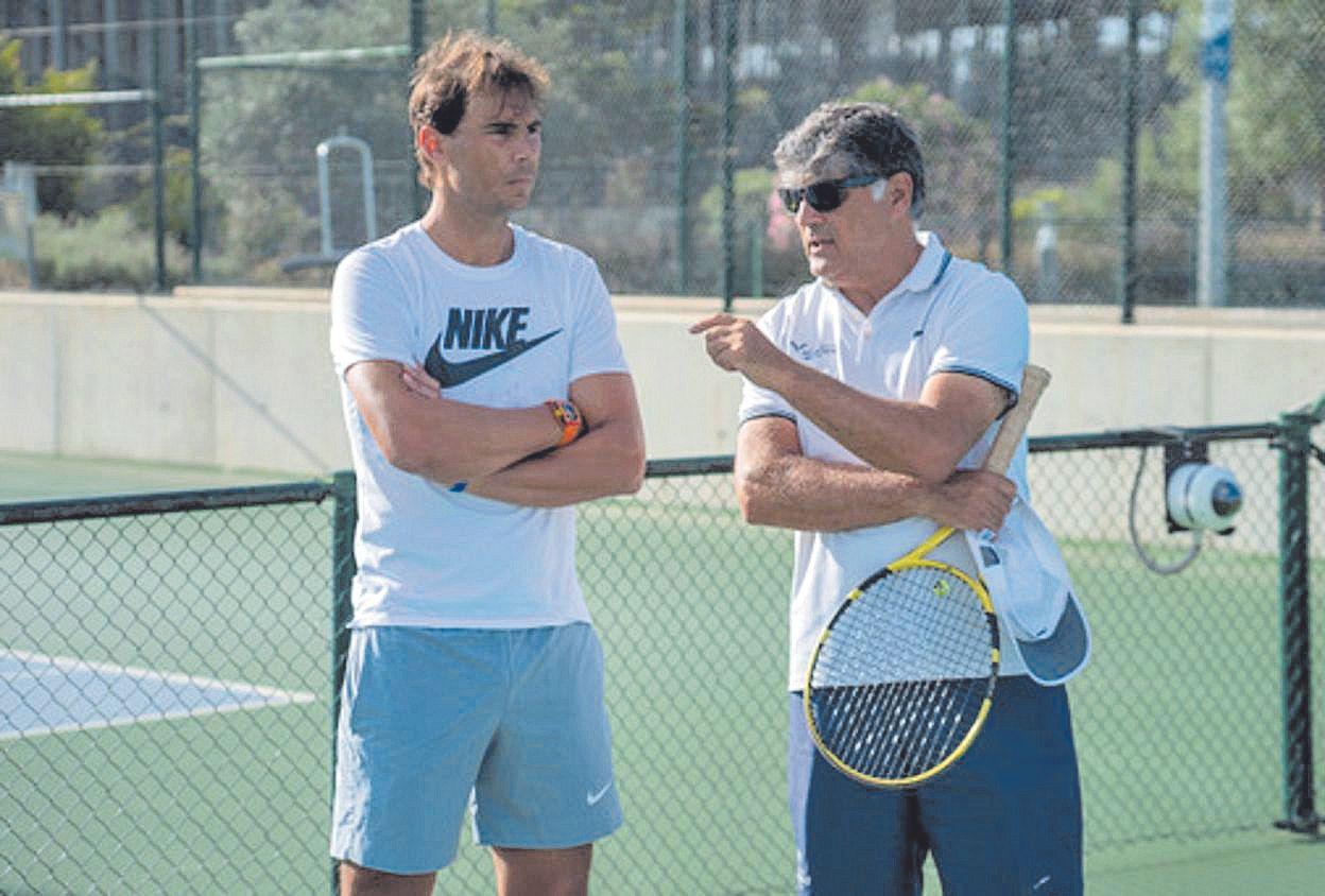Rafa Nadal con su tío y director de la Academia.