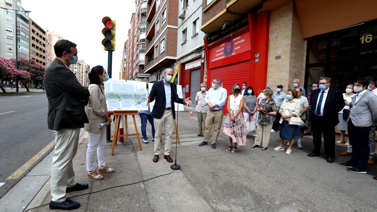 Azcón, este miércoles, en la presentación del proyecto para la reforma de la avenida Navarra.