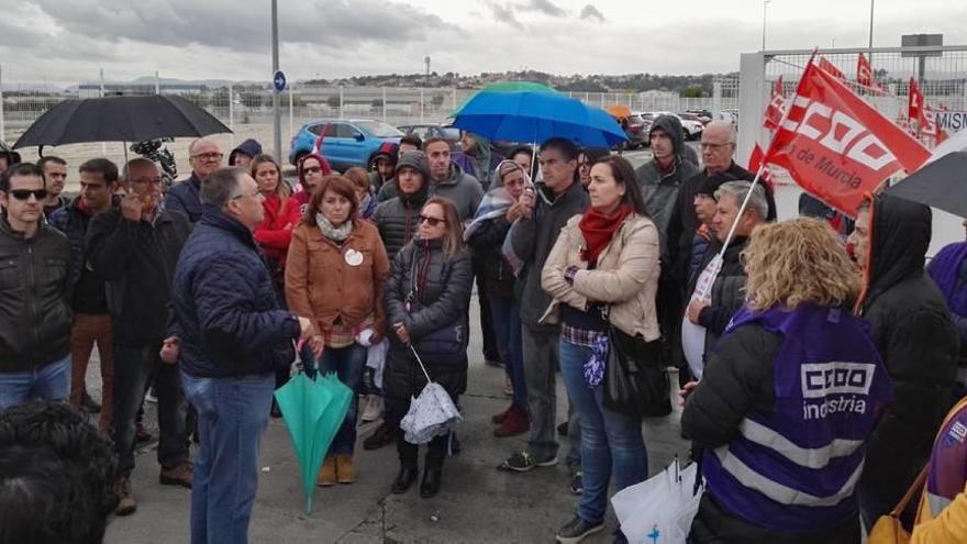 Los trabajadores de Grifols paran para exigir mejores salarios
