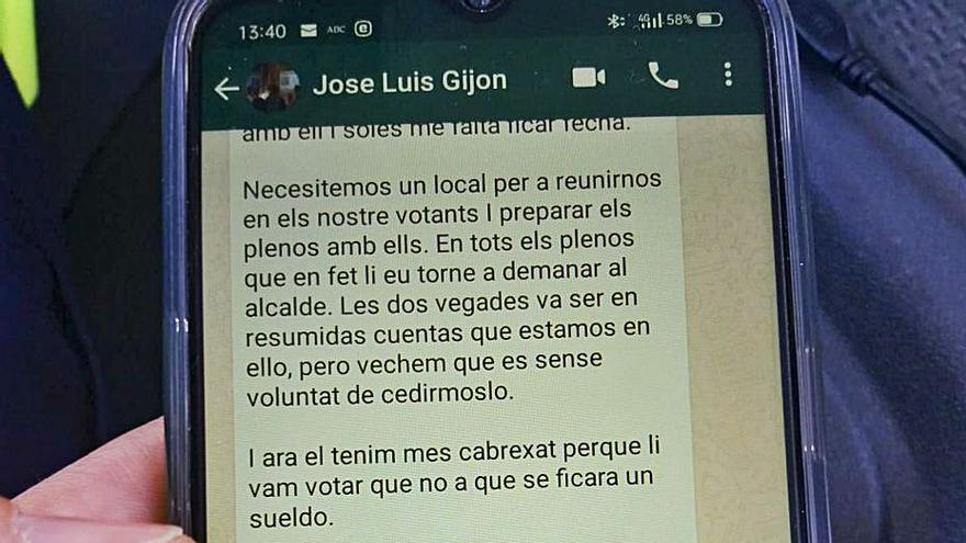 El líder del PP de Cerdà revela su estrategia al alcalde al enviarle por error un mensaje por whatsapp