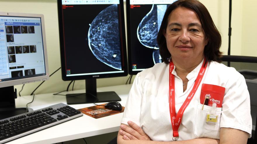 El Hospital del Vinalopó realiza mamografías en 3D con contraste a mujeres con un cáncer previo o antecedentes