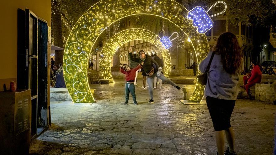 Palma apagará las luces de Navidad y árbol del Parc de la Mar a las diez de la noche