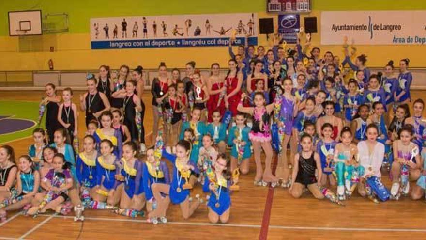 """El Torneo de patinaje artístico """"Ciudad de Langreo"""" reunió a cien participantes"""