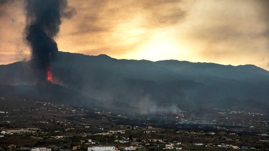 Todo lo que necesitas saber sobre la nube de azufre del volcán de La Palma