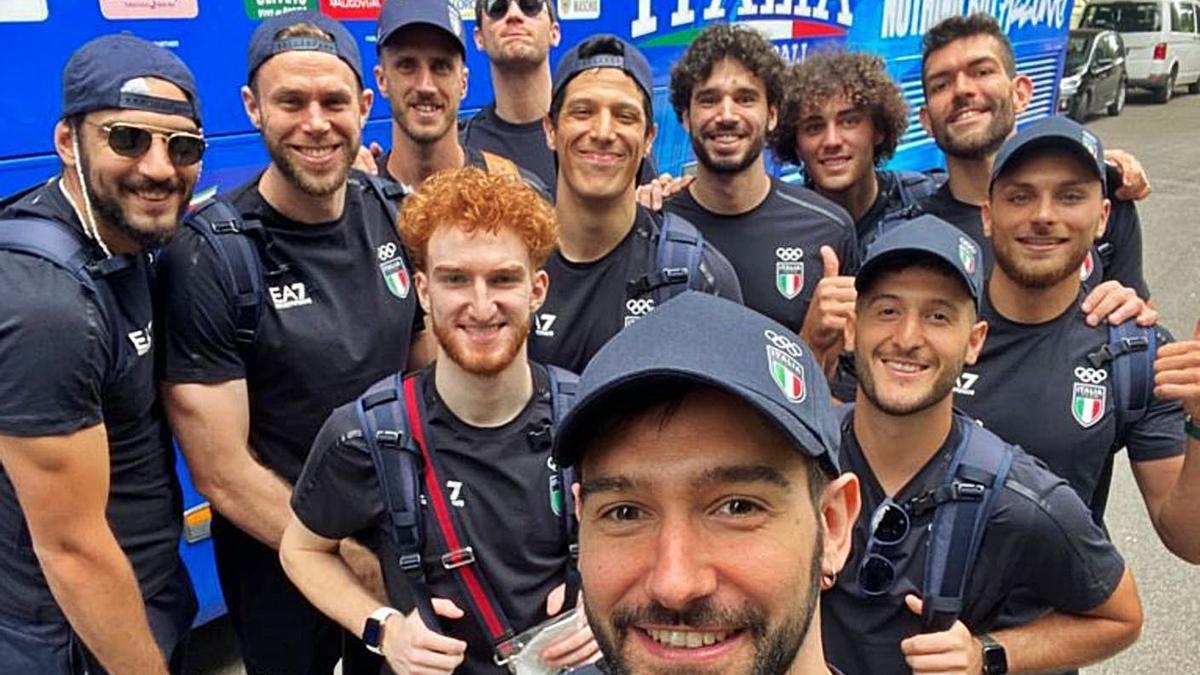 Marco Spissu (en segunda fila a la derecha), junto al resto de jugadores del equipo italiano.