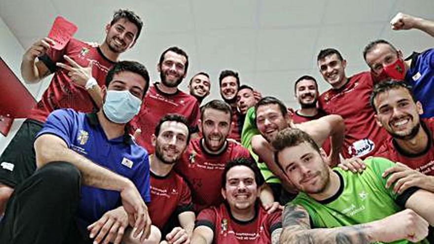 La UE Llocnou de Sant Jeroni sigue en lo más alto tras golear al New Benifaió, 6-0