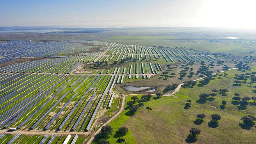 Villena acogerá una nueva planta solar capaz de abastecer a 100.000 hogares