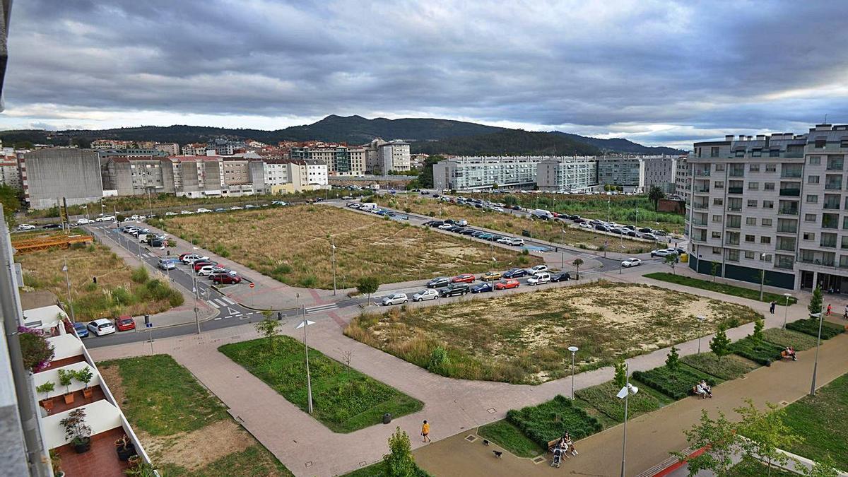 Parcelas en las que se va a ubicar la nueva residencia de mayores en Pontevedra. |   // GUSTAVO SANTOS