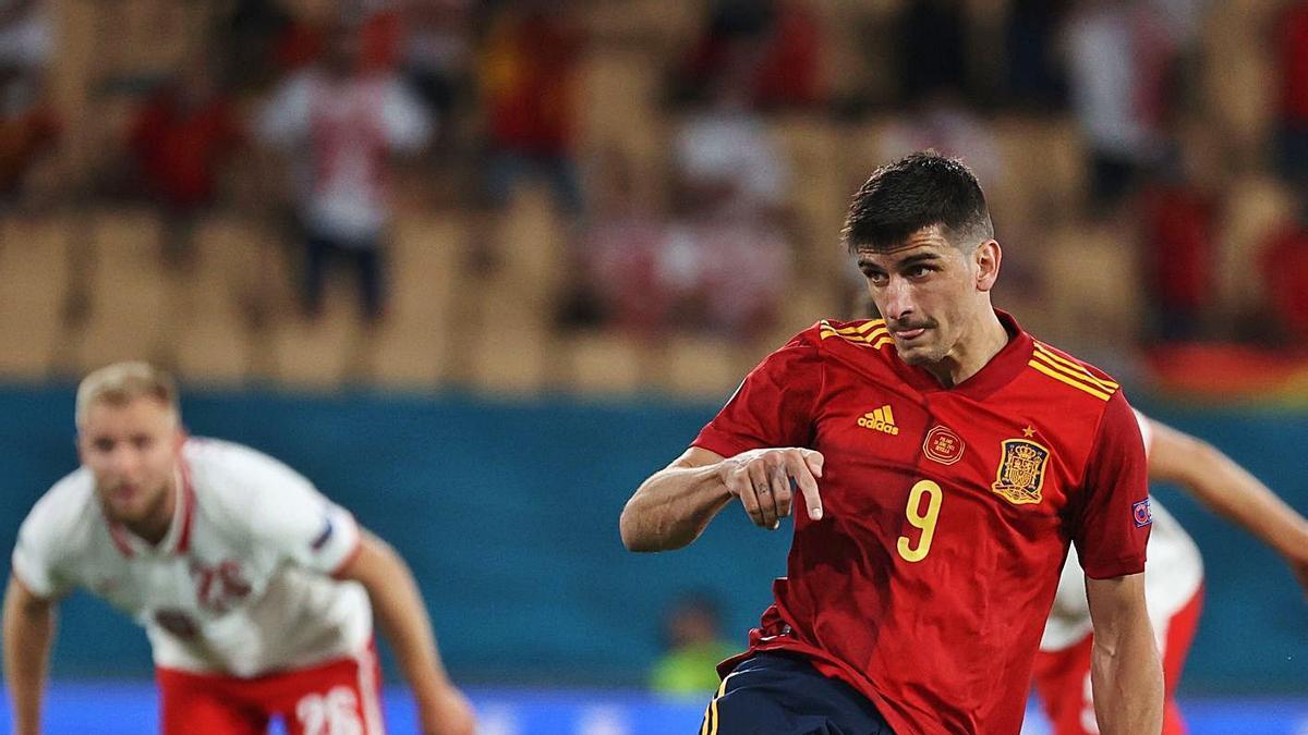 Gerard Moreno va desaprofitar un penal a la segona meitat.    EFE/KIKO HUESCA