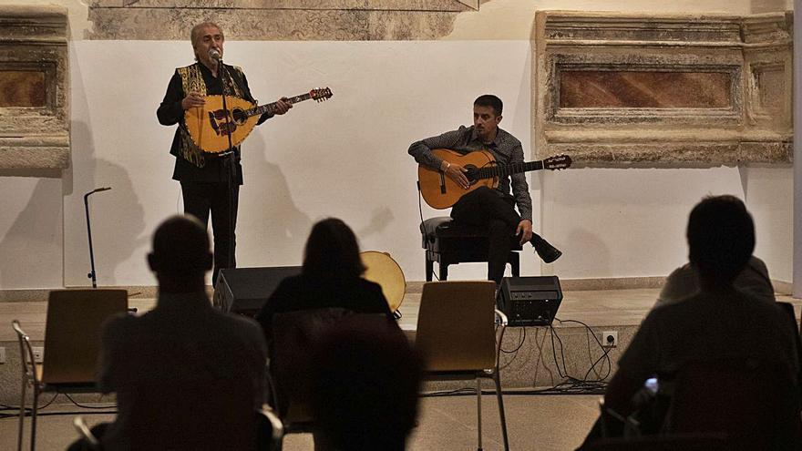 Esencias sefardíes con Paco Díez y Raúl Olivar en la Biblioteca de Zamora