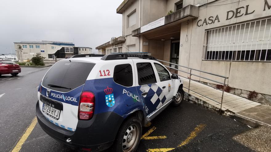 Agentes de la Policía de Bueu piden un nuevo sistema de transmisiones