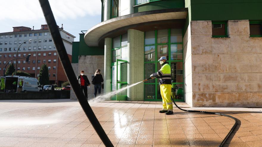 La plantilla de Urbaser pide a la oposición que dé luz verde al nuevo contrato de limpieza