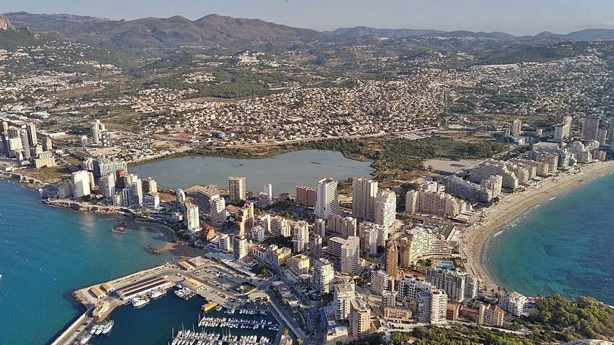 """Benissa, primer pueblo que rechaza el """"alud"""" de parques eólicos en cimas de la Marina"""