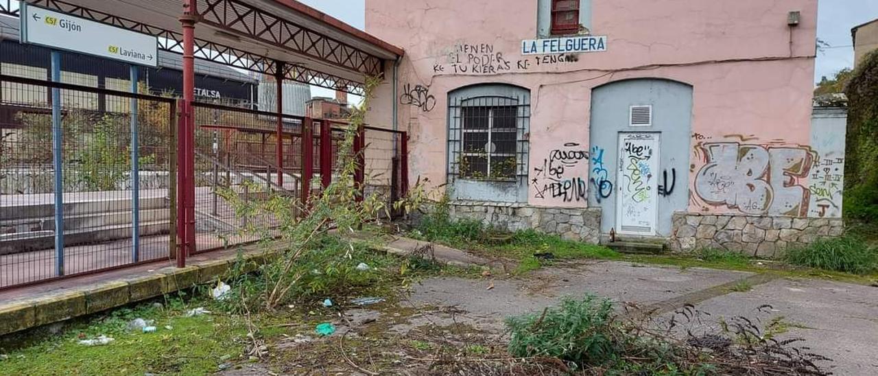 La estación de Feve en La Felguera.
