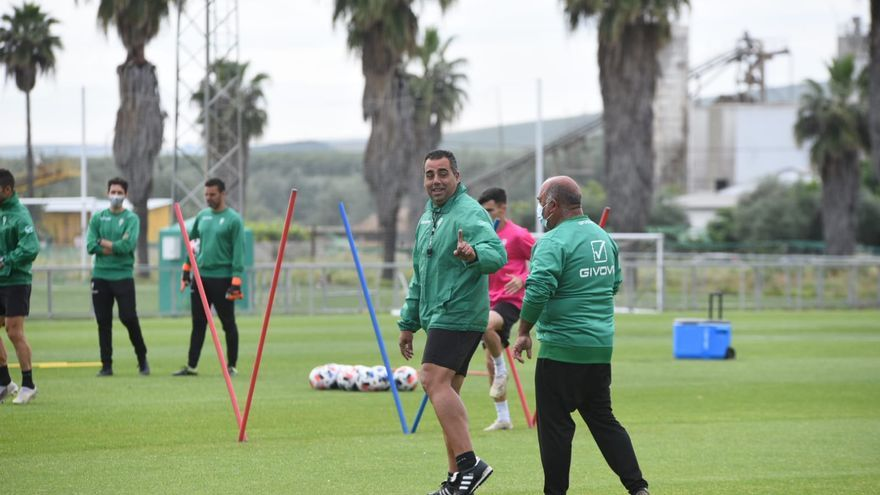 Entrenamiento de recuperación del Córdoba CF tras la goleada a la Balompédica Linense