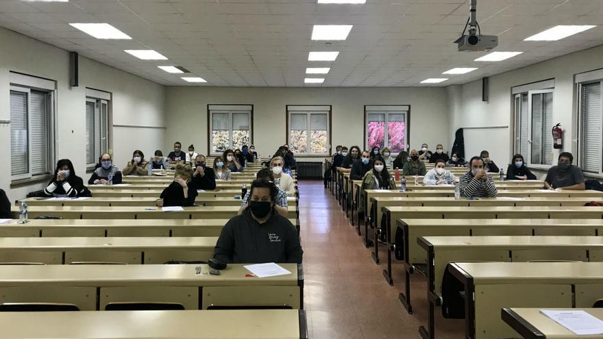 Asturias celebra la primera prueba B2 de Llingua con 400 inscritos
