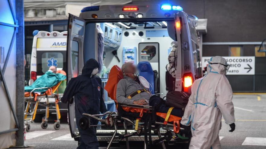Los médicos afirman que los hospitales en Italia están al borde del colapso