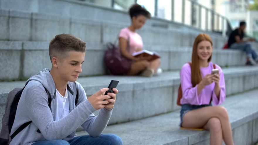 """""""Debemos educar en valores para que los jóvenes hagan un uso responsable de Tinder"""""""