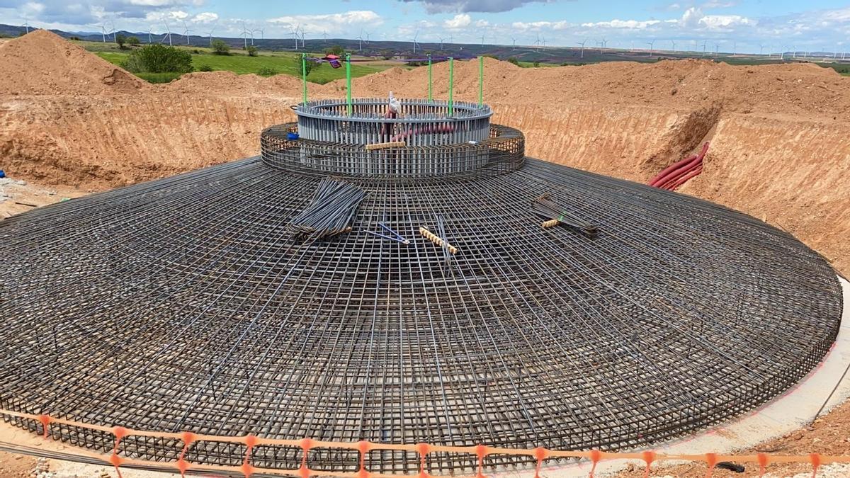 Endesa comienza la construcción de un parque eólico de megavatios en Villar de los Navarros.
