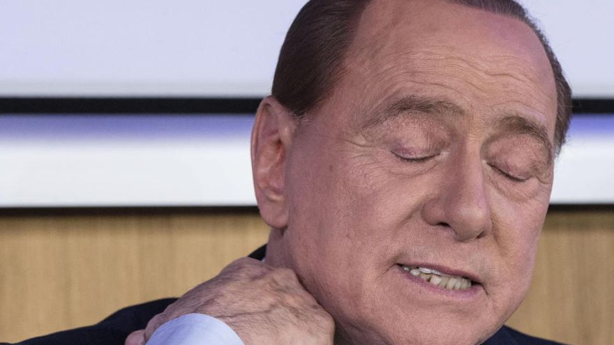 Silvio Berlusconi da positivo en coronavirus