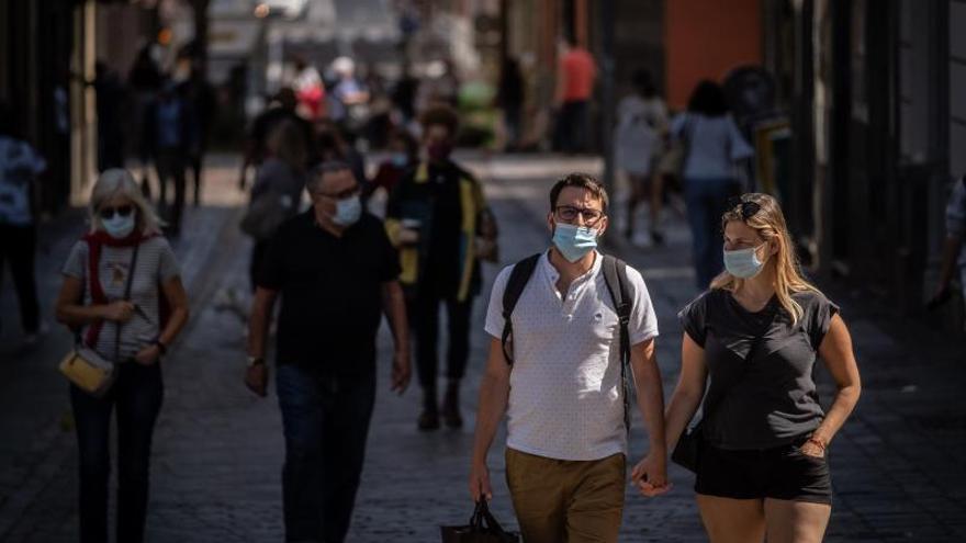 Los viajeros nacionales vacunados podrán veranear en Canarias sin test de coronavirus