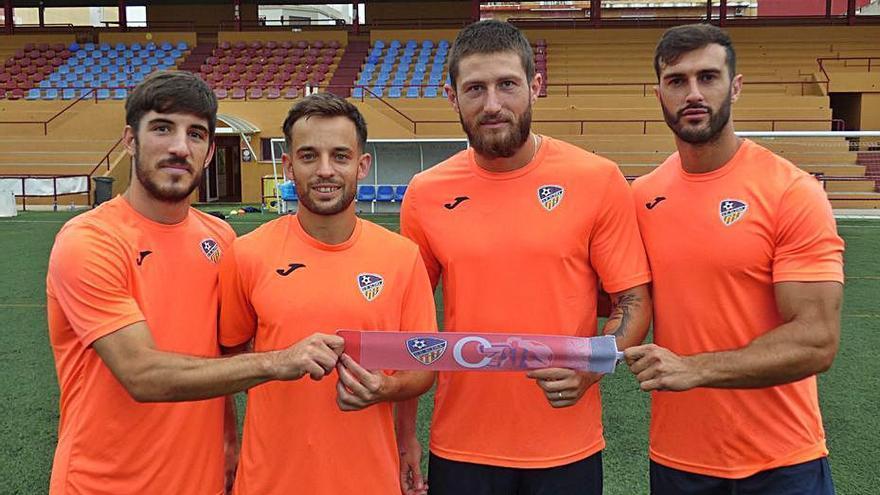 El Alzira debuta mañana en la liga con una plantilla joven y la moral «alta»