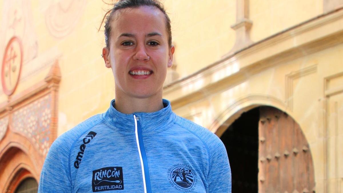 Silvia Arderius, en la calle Granada, al lado del hotel Palacio Solecio de Málaga.