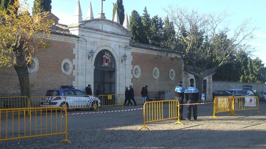 Las visitas al cementerio de Toro se limitan a una hora hasta el 8 de noviembre