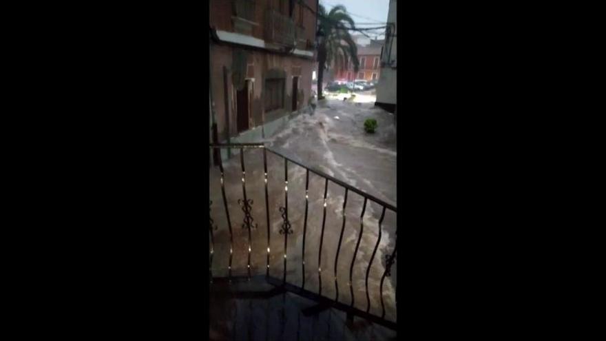 Las fuertes lluvias dejan 38 l/m2 en una hora en Vilamarxant