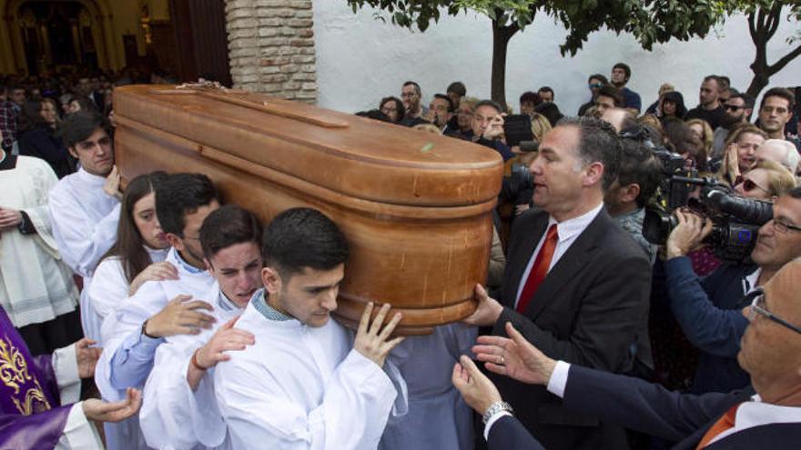 Multitudinaria despedida a Pablo Ráez