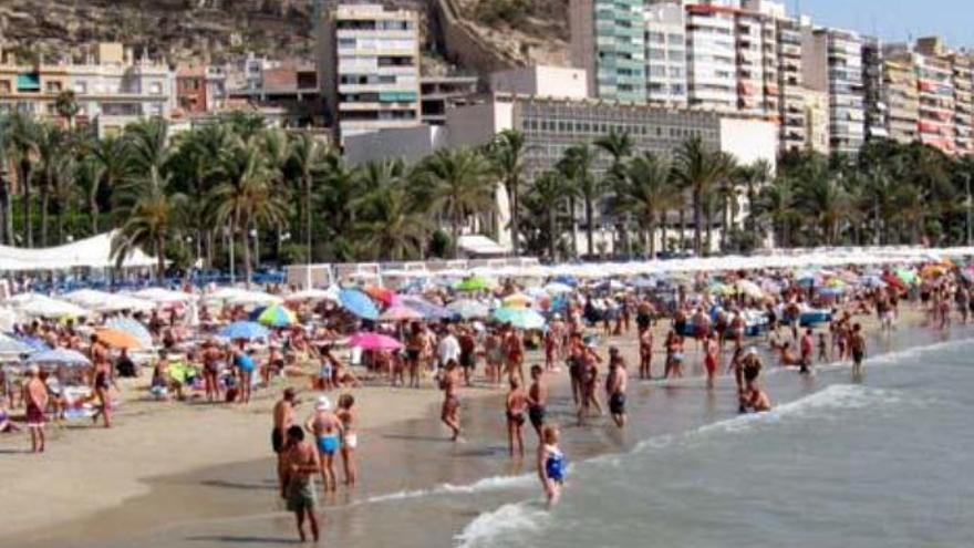 NC insiste en la ecotasa turística en Canarias para generar ingresos