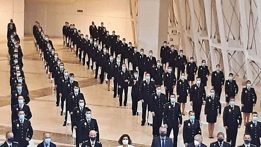 120 policías nacionales juran el cargo tras finalizar el periodo de prácticas