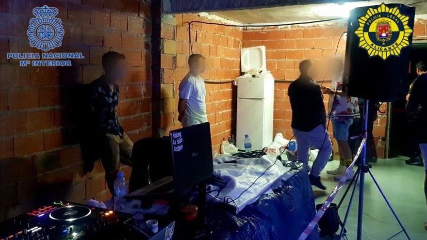 """Sorprenden a 38 personas en una fiesta ilegal con """"gas de la risa"""" en una nave de Alicante"""