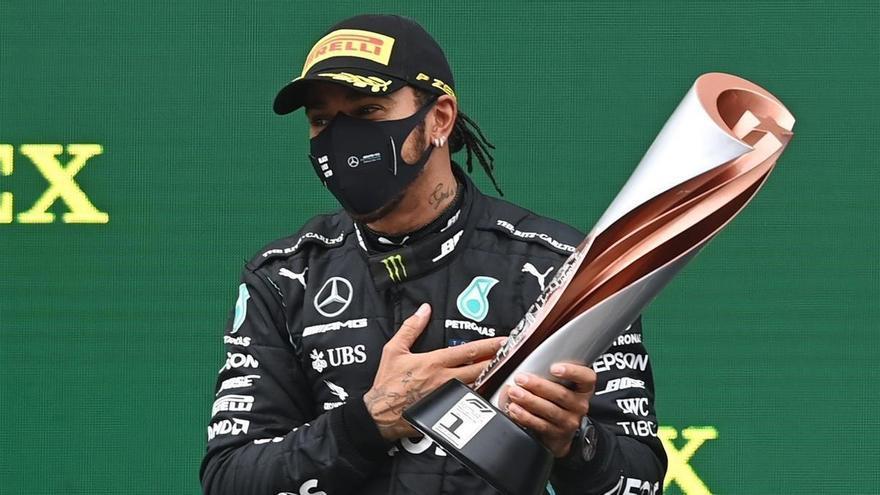 Hamilton imparte una clase magistral para ganar el título