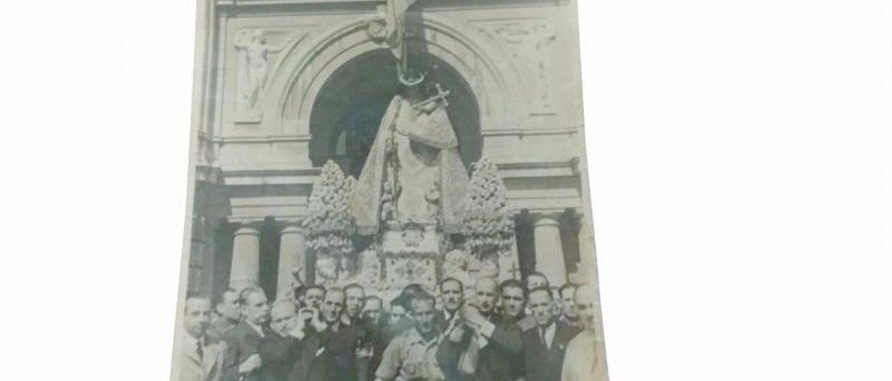 Ramón y José A.Borja  Piñeiro  quieren poner en valor la  figura de su abuelo.  m.a.montesinos