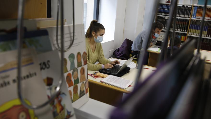 Colapso en las bibliotecas municipales por el sistema de reservas