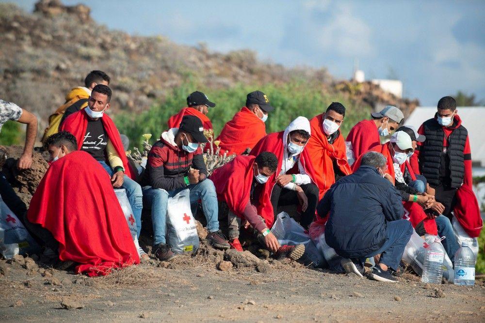 Llegada de 28 inmigr (128297598).jpg