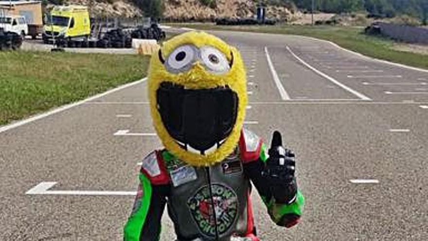 El martorellenc Adrián Acuña debuta al Campionat d'Espanya de minimotos amb només set anys